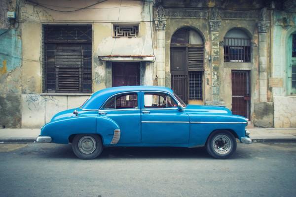 Hoe fotografeer je een stilstaande auto?