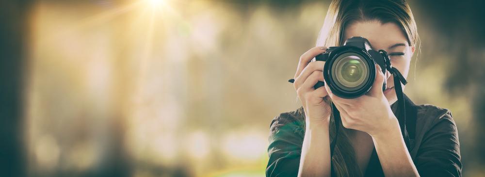 Vrouw die fotografeert