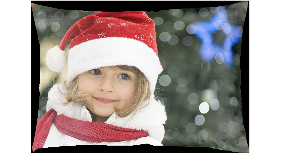 Kussen met foto van een meisje met een kerstmuts